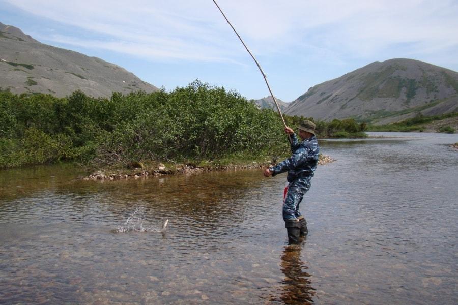 Рыбалка на озере Байкаленок