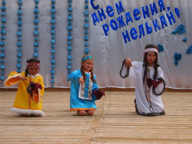 Выступление детей на дне села