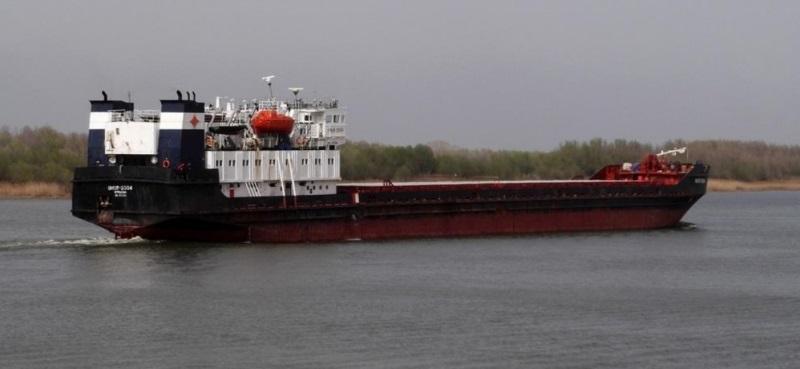 Последние два танкера идут на север Хабаровского края